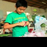 hand-dying-cloth