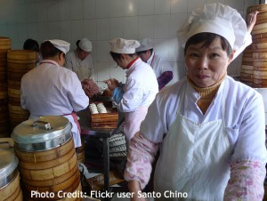 making-dumplings-in-shanghai