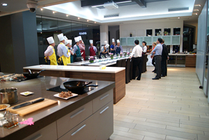 Master-Chef--Cooking-Competition--for-Chinese-Food-2-300&200.jpg